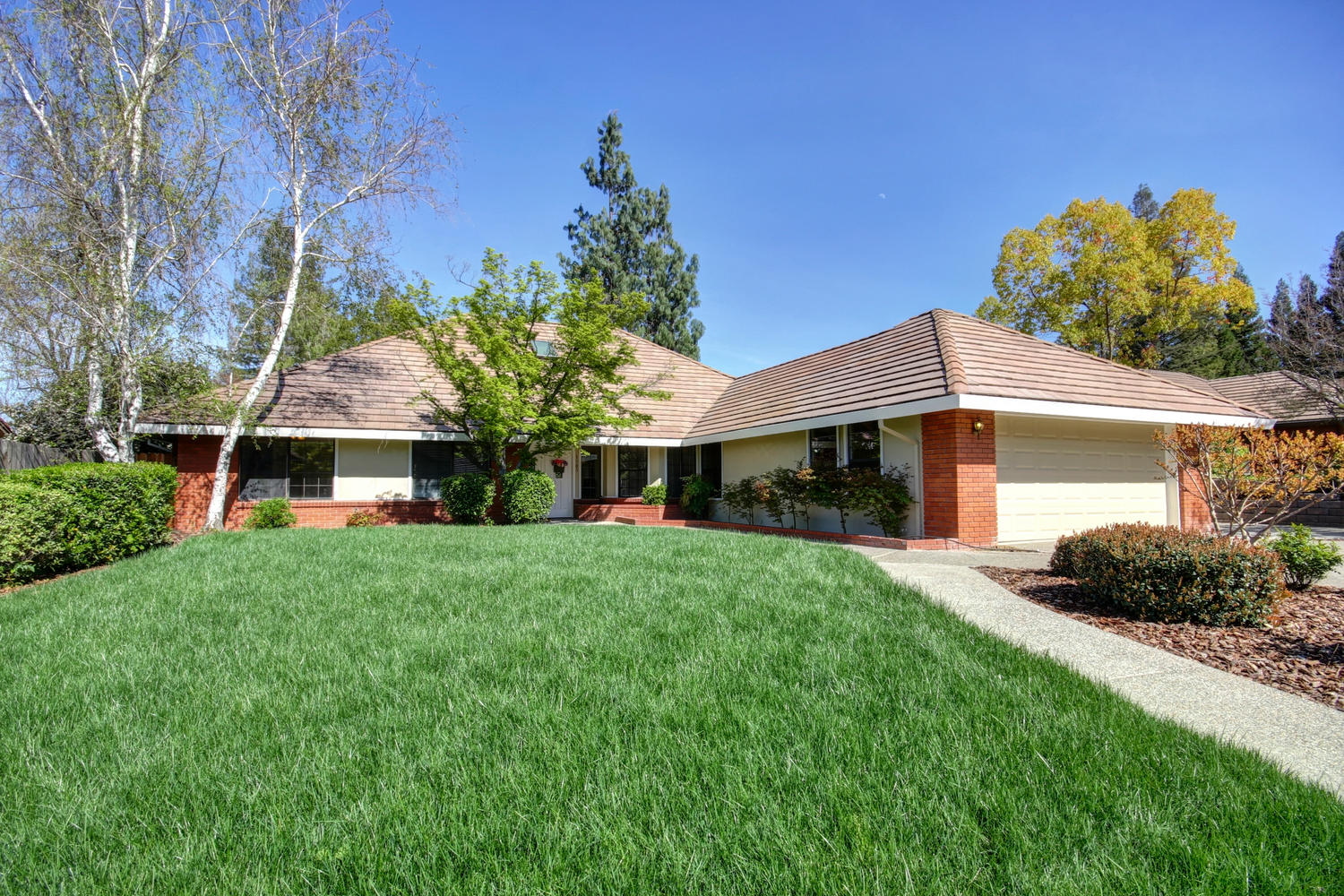 1105 Nob Hill Ct Roseville CA-large-001-2-01-1500x1000-72dpi