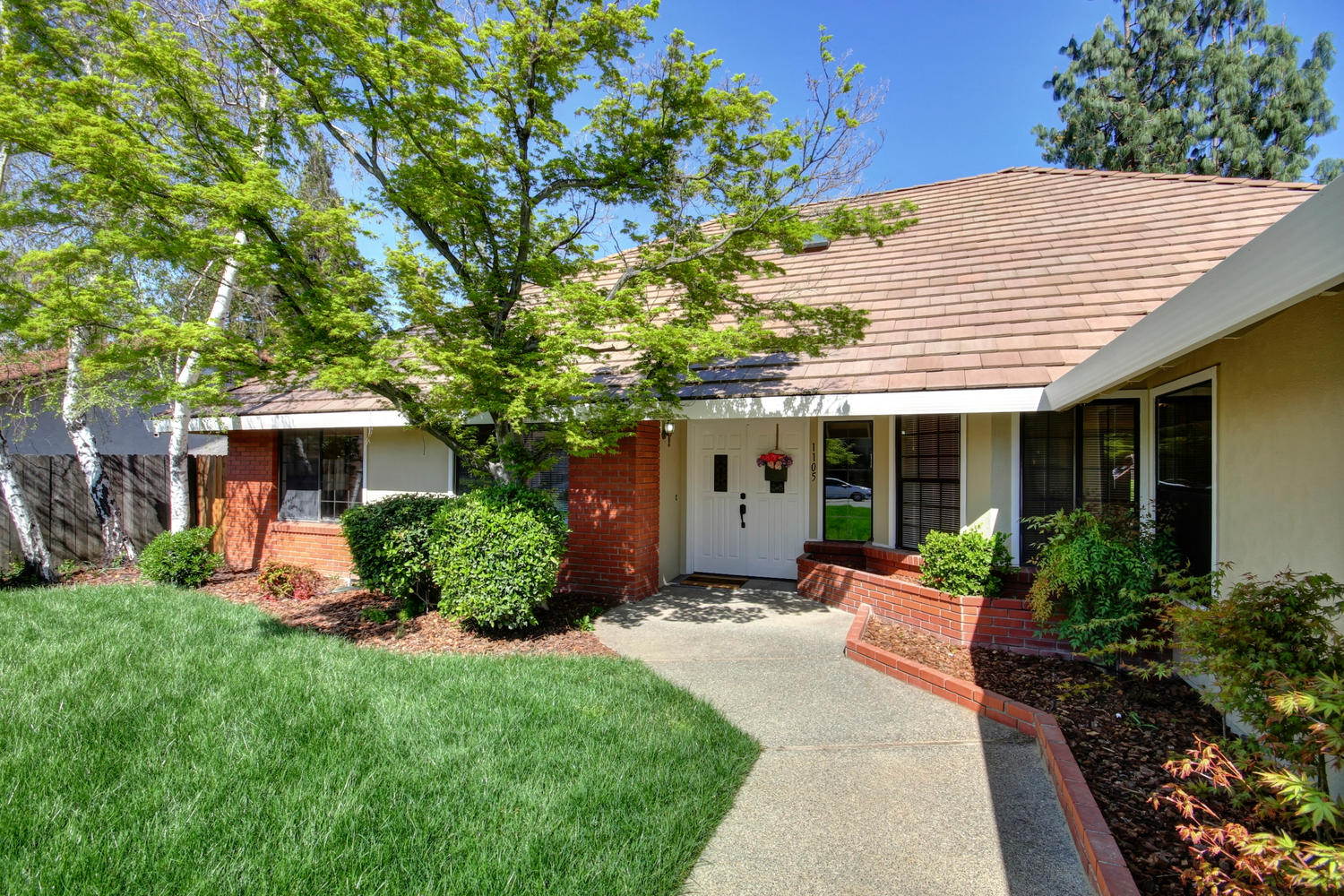 1105 Nob Hill Ct Roseville CA-large-002-1-02-1500x1000-72dpi