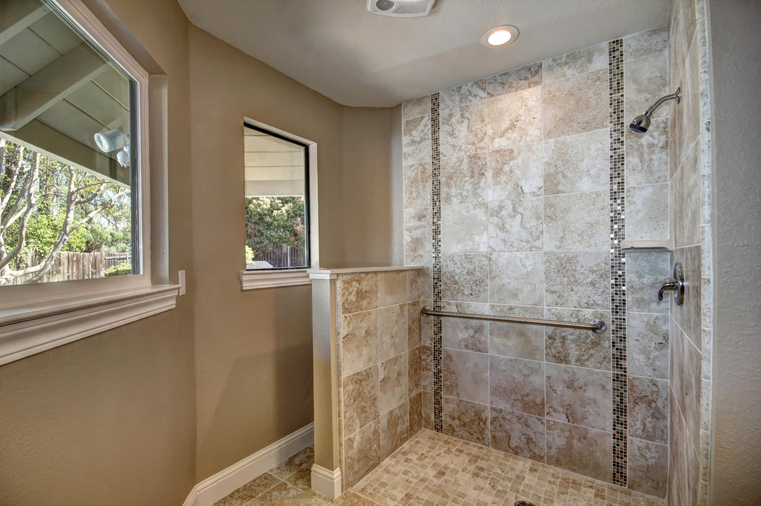 1105 Nob Hill Ct Roseville CA-large-022-23-22-1500x1000-72dpi