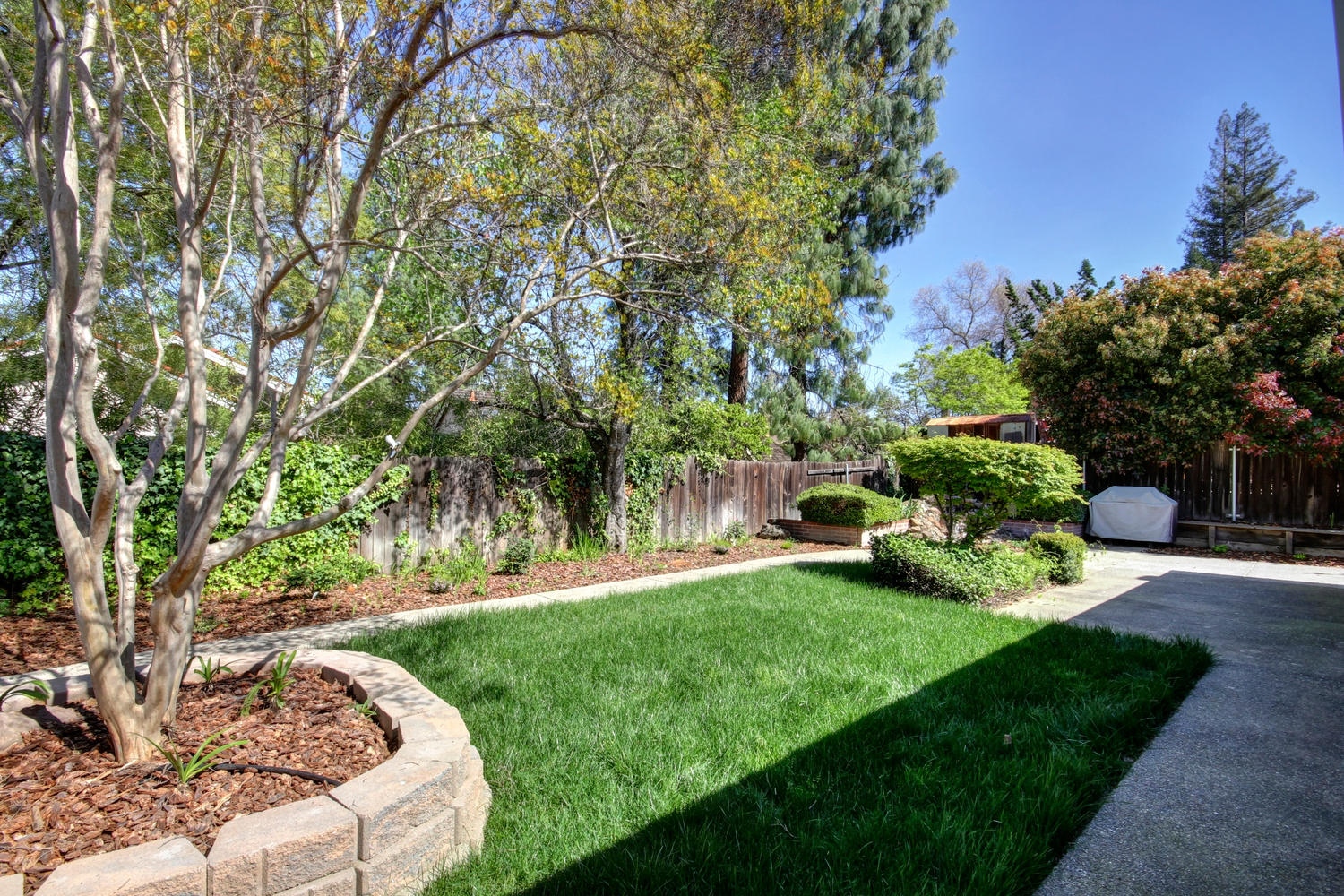 1105 Nob Hill Ct Roseville CA-large-035-34-35-1500x1000-72dpi