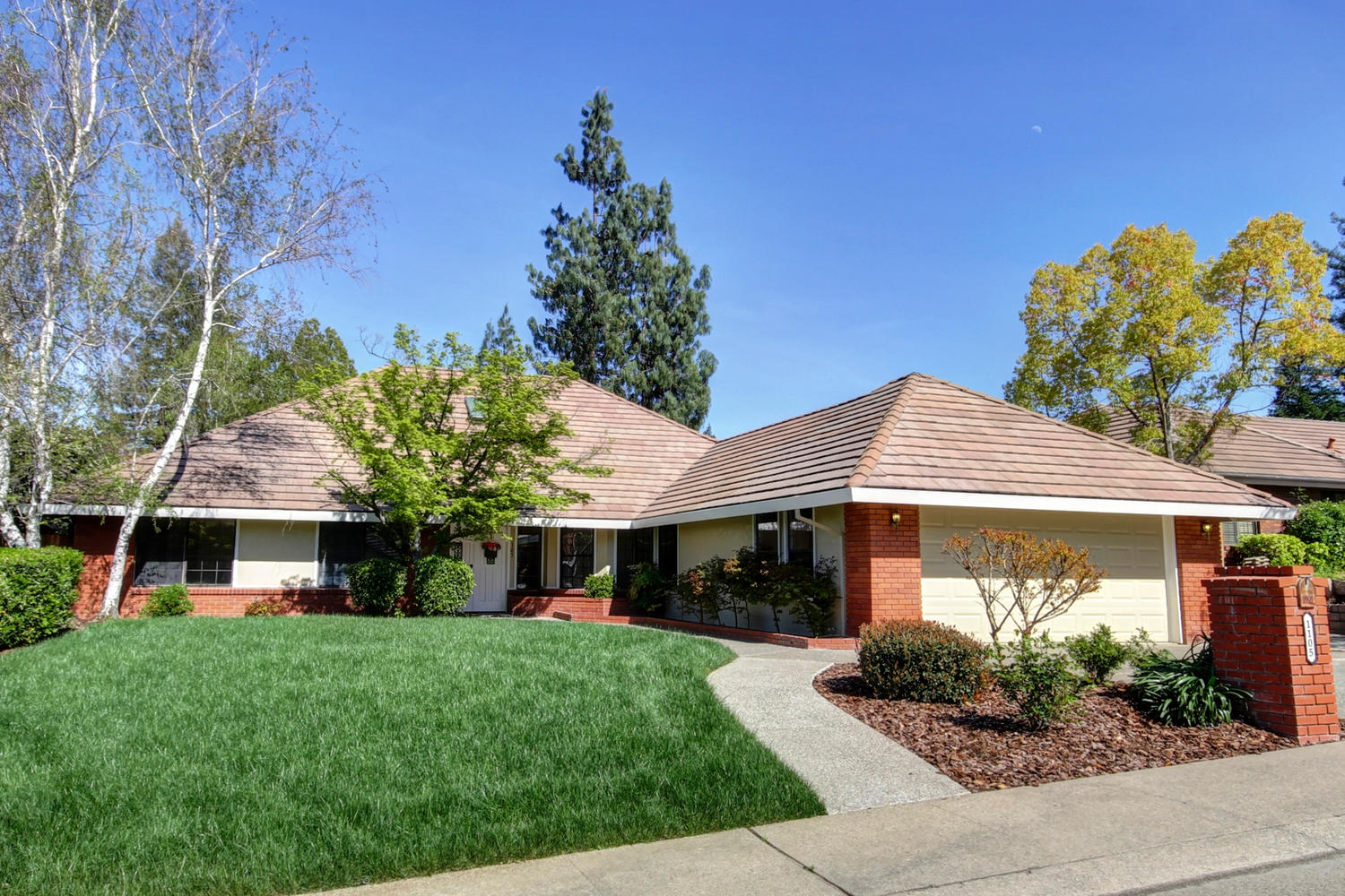 1105 Nob Hill Ct Roseville CA-large-040-37-40-1500x1000-72dpi