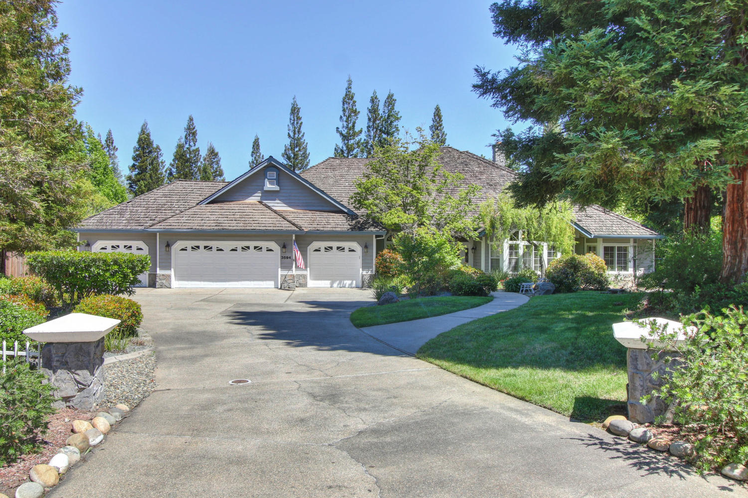 3594 Old Country Ct Roseville-large-001-8-01-1500x1000-72dpi