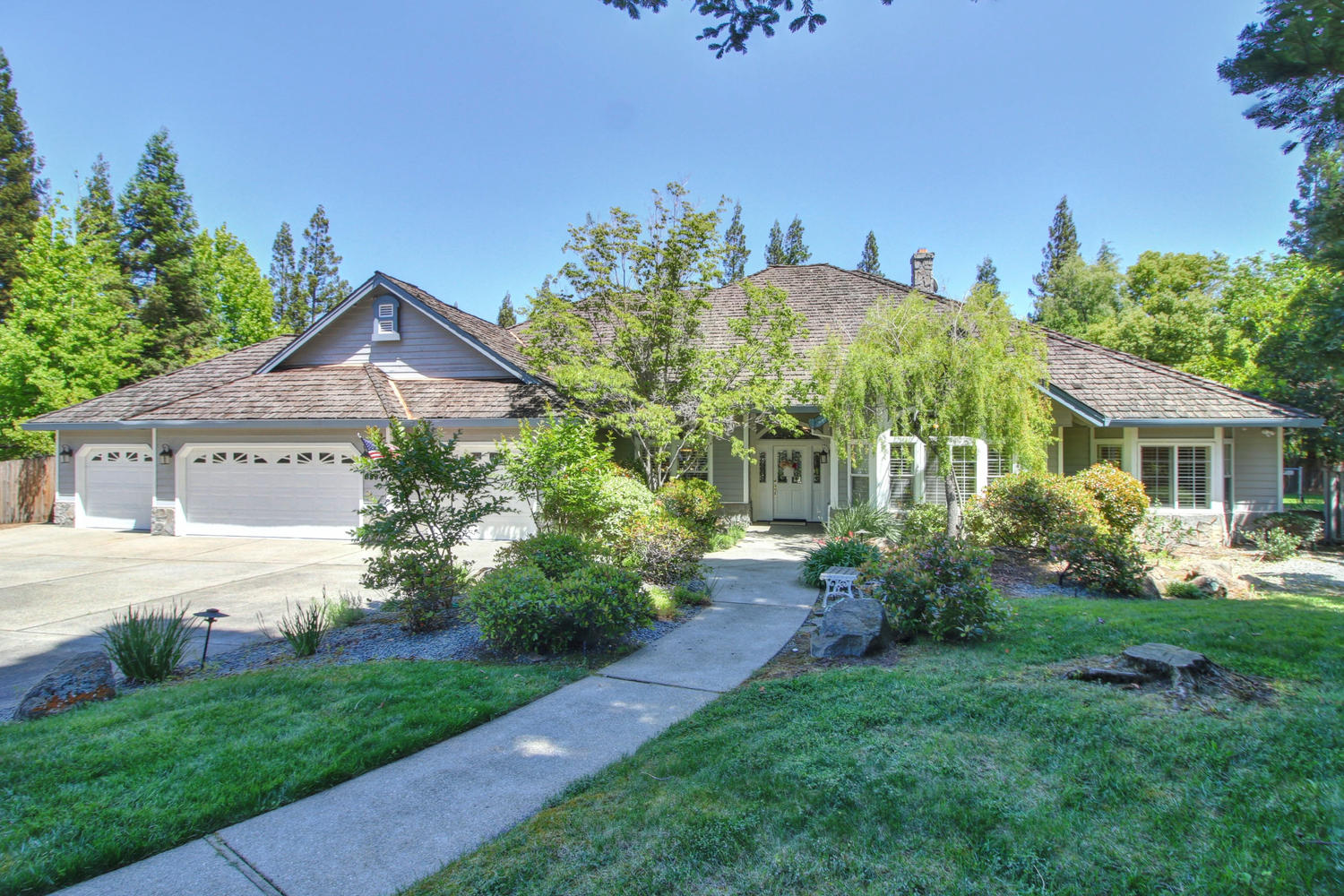 3594 Old Country Ct Roseville-large-002-9-02-1500x1000-72dpi