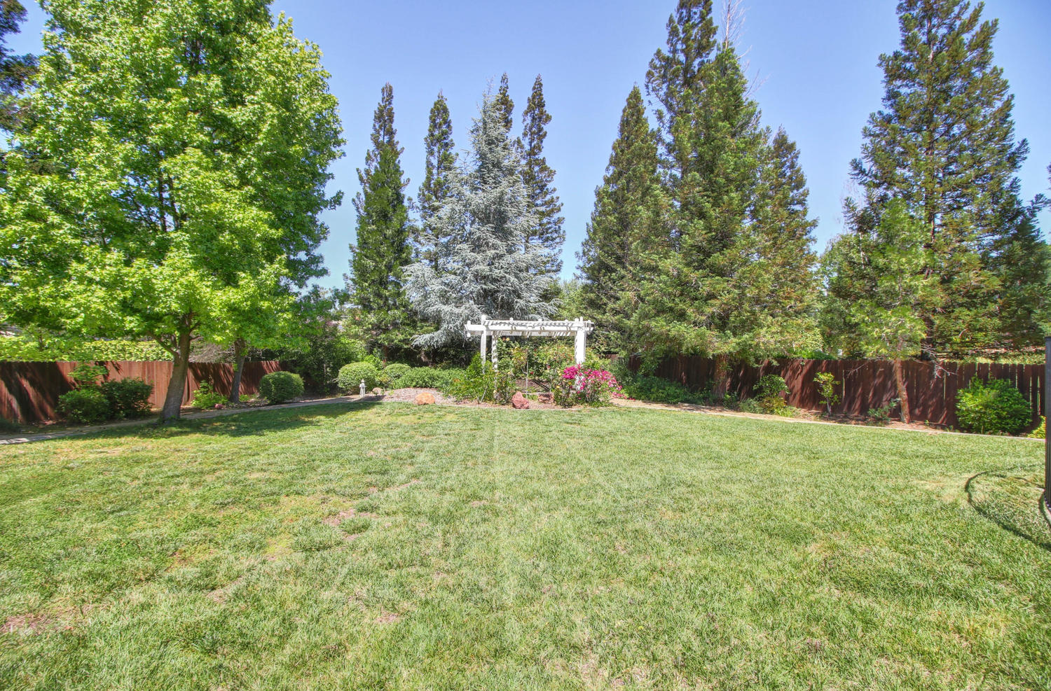 3594 Old Country Ct Roseville-large-035-33-35-1500x988-72dpi