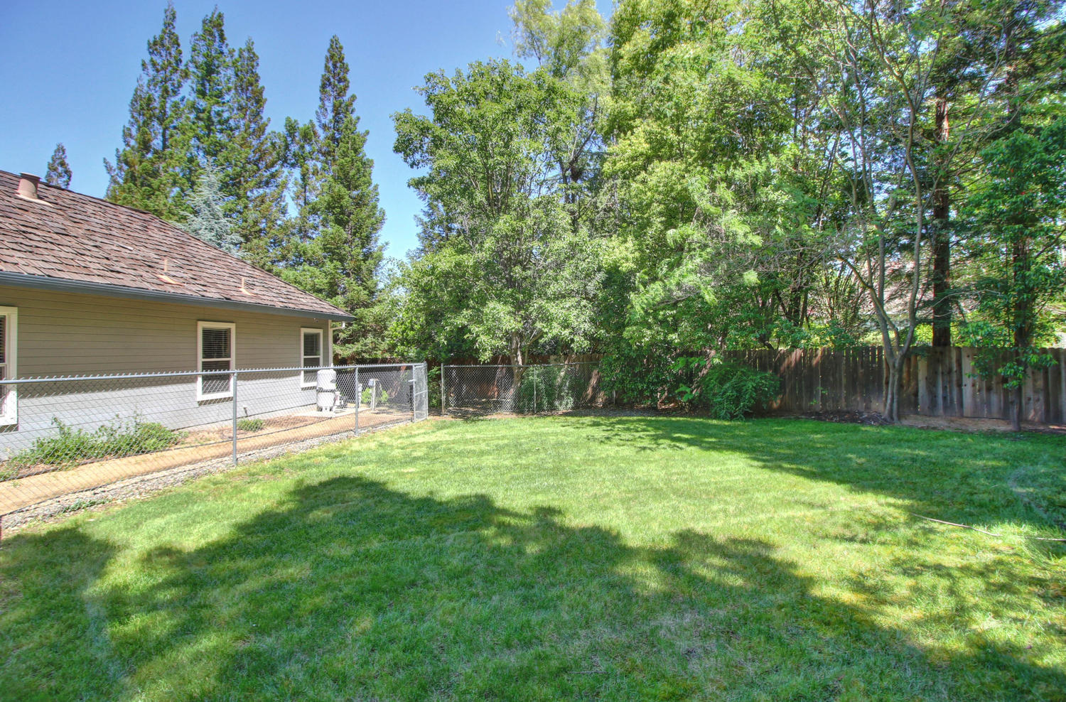 3594 Old Country Ct Roseville-large-041-41-41-1500x988-72dpi