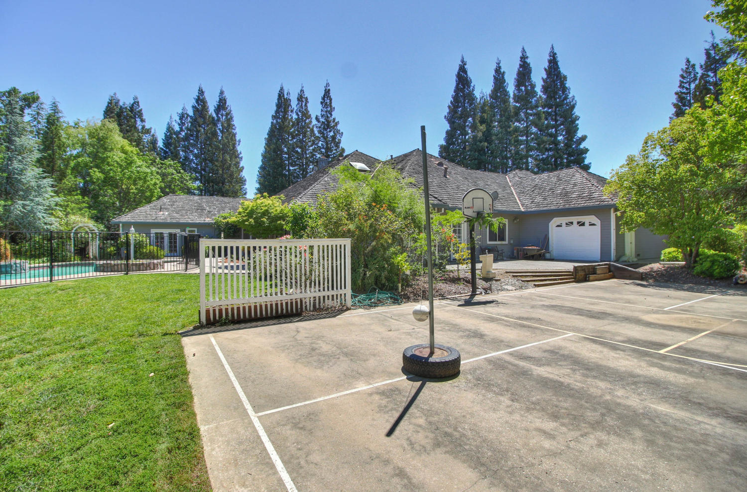 3594 Old Country Ct Roseville-large-036-28-36-1500x988-72dpi