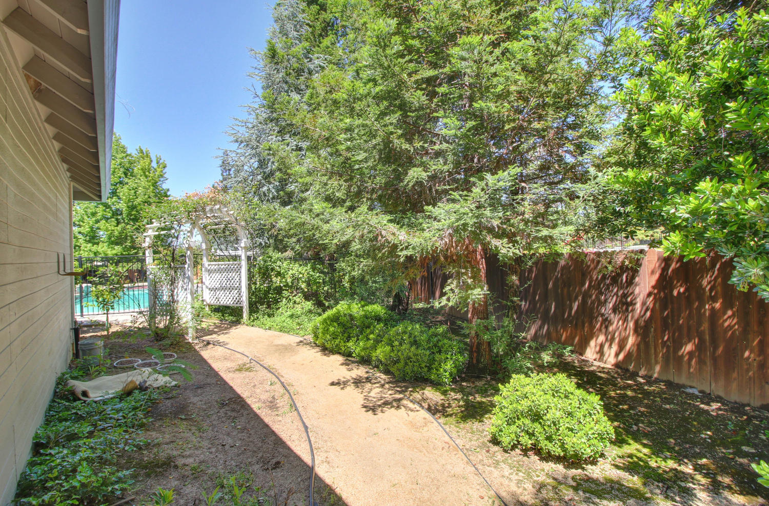 3594 Old Country Ct Roseville-large-043-38-43-1500x988-72dpi
